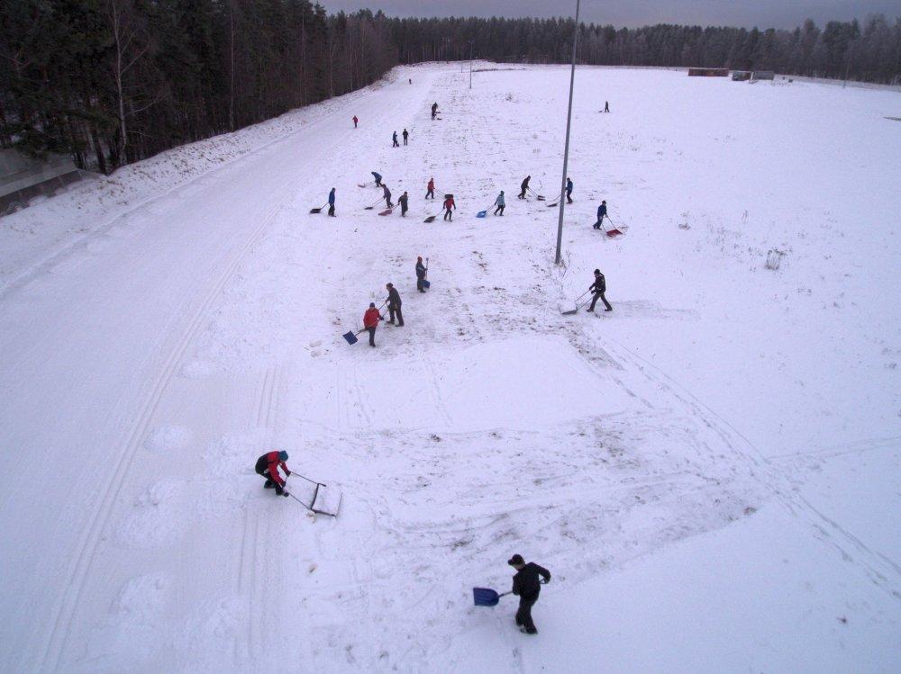 Kuukauden ulkoiluteko: Tykkilumilatu jatkaa hiihtokautta Heinolassa