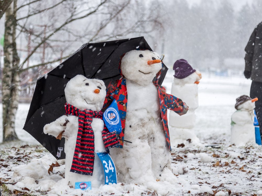 Suosittu #UlkonaKuinLumiukko-kampanja jatkuu myös tulevana talvena