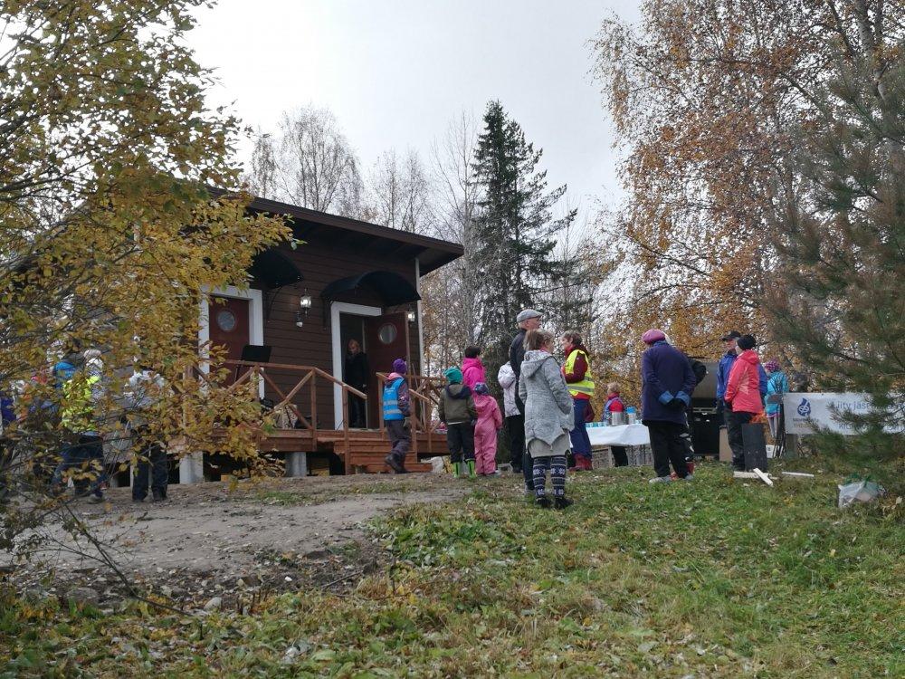 Kuukauden ulkoiluteko: Kiuruvedellä pukukopista tuli talviuintipaikan helmi