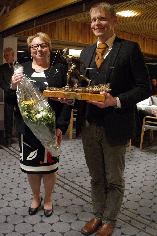 Pogostan Hiihto palkittiin vuoden Maastohiihdättäjäksi Suomen Ladun kevätkokouksessa