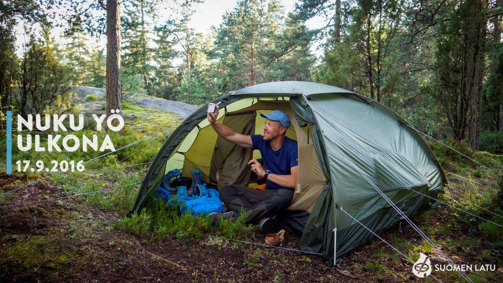 Tuhannet suomalaiset nukkuivat yönsä ulkona